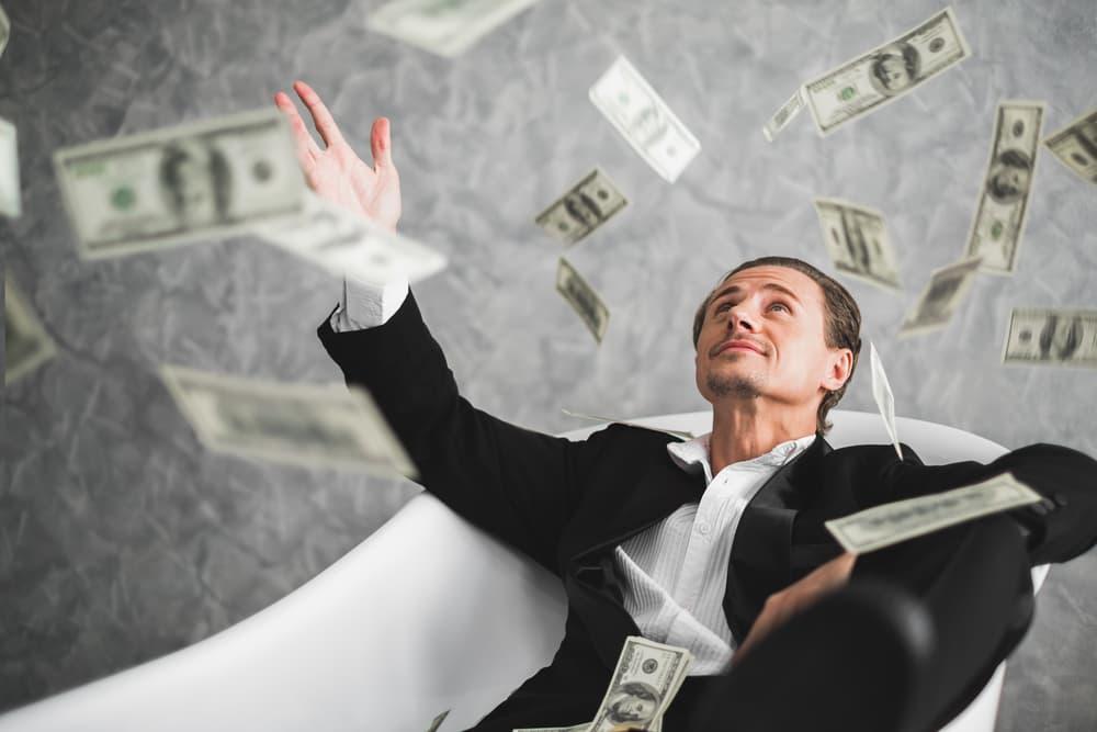 geriausi būdai uždirbti pinigus internete dvejetainių parinkčių tinklelis
